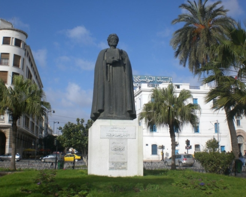 Patung Ibn Khaldun di Tunis (Foto: Wikipedia)